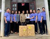 Phòng 3, VKSND tỉnh Quảng Ninh Thăm, tặng quà và nhận đỡ đầu học sinh có hoàn cảnh khó khăn