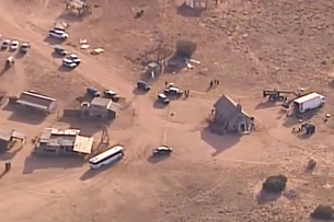 Nổ súng khó hiểu tại phim trường ở New Mexico, Mỹ quay phim thiệt mạng, đạo diễn nguy kịch