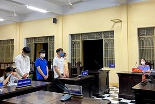 Tuyên án nhóm người tổ chức cho người nhập cảnh trái phép vào Việt Nam và đưa hối lộ