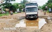 Đường Nguyễn Du ở thị xã Bình Long đang biến thành ao