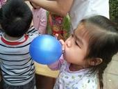 Bóng bay - sát thủ hàng đầu gây ngạt thở cho trẻ em