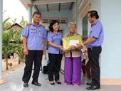 VKSND tỉnh Vĩnh Long nhận phụng dưỡng Mẹ Việt Nam Anh hùng