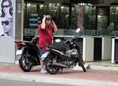 Người nước ngoài điều khiển xe máy tham gia giao thông không có giấy phép lái xe Sẽ xử lý nghiêm khắc
