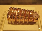 Lật tẩy chiêu mua đồng hồ bạc tỷ của Quang Lê, Thủy Tiên