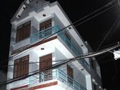 Thanh niên nằm chết trong căn nhà 3 tầng, tay chân bị trói bằng dây điện