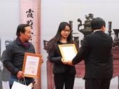 Bà đồ 21 tuổi đạt giải Nhì viết thư pháp trong Hội chữ Xuân 2016