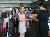 Gia hạn miễn thị thực có thời hạn đối với công dân một số nước