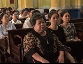 Đề nghị không khởi tố bà Hứa Thị Phấn tại tòa