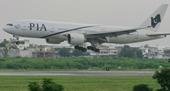 Máy bay bị buộc hạ cánh vì  tắc toilet