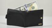 Đi phỏng vấn xin việc, tiện tay  lấy cắp luôn ví tiền của sếp