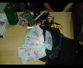 Khách Trung Quốc trộm tiền trên máy bay
