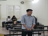 Giáo viên ngoại ngữ cướp giật túi xách của người đi đường