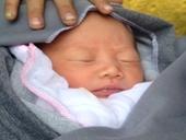 Phát hiện trẻ sơ sinh bị bỏ rơi ở gốc tre