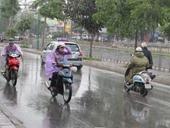 Hà Nội mưa giông, kết thúc chuỗi ngày nắng nóng kỷ lục
