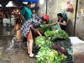 Giá rau, thực phẩm tăng mạnh do ảnh hưởng mưa bão
