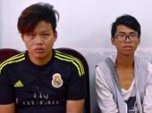 Hai tên cướp rình các cặp tình nhân trong công viên ở Sài Gòn