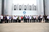 Đoàn đại biểu cấp cao đảng nhân dân cách mạng Lào thăm và làm việc tại nhà máy sữa Việt Nam của công ty cổ phần sữa Việt Nam Vinamilk