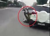Công an Hà Nội truy tìm tài xế lái ôtô húc văng cảnh sát trước cổng Bệnh viện Bạch Mai