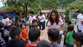 Báo Nhà báo  Công luận chắp bước Cùng em đến trường với các em học sinh vùng cao Mù Cang Chải