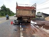 Tông vào đuôi xe tải đậu bên đường, một người tử vong